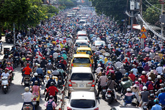 Chuyên gia: Cấm xe máy là xâm phạm quyền công dân?