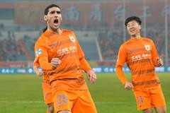 Fellaini lập đại công ngay trận ra mắt ở Trung Quốc