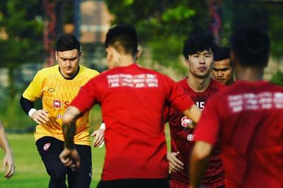 Đặng Văn Lâm là điểm tựa chiến thắng của Muangthong