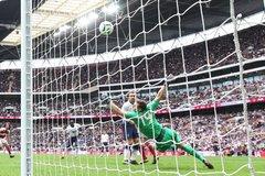 Chiêm ngưỡng pha cứu thua khó tin của thủ môn Arsenal