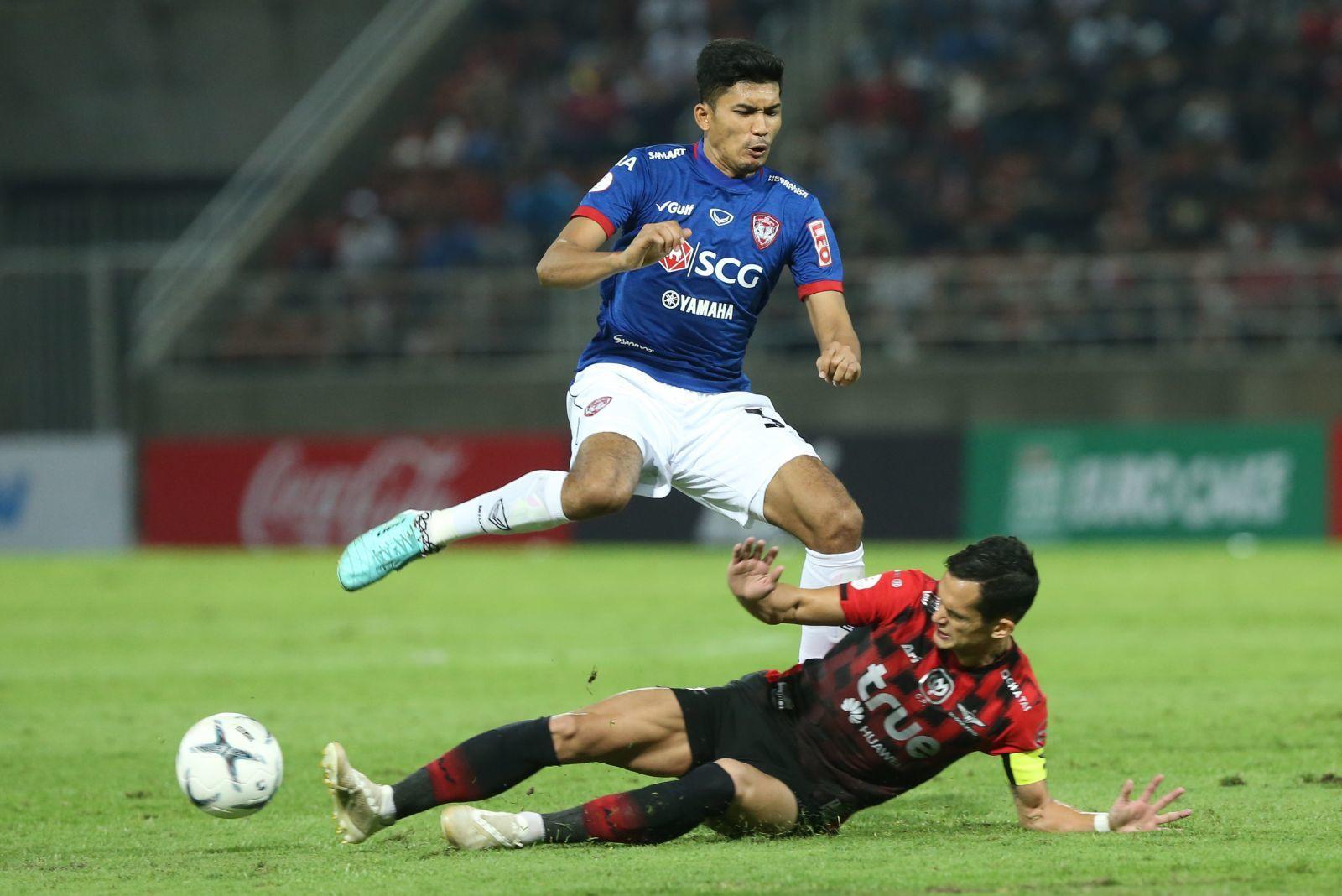 Muangthong United,Bangkok United,Bangkok United vs Muangthong United,Đặng Văn Lâm
