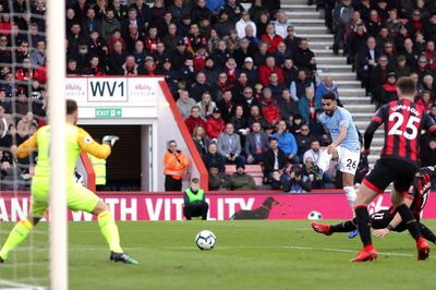 Thắng tối thiểu, Man City chiếm ngôi đầu của Liverpool