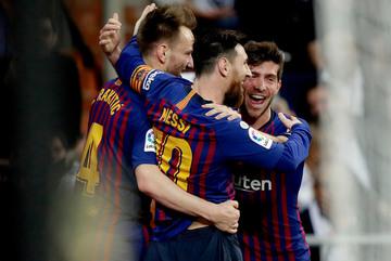 Hạ đẹp Real, Barca là vua Siêu kinh điển
