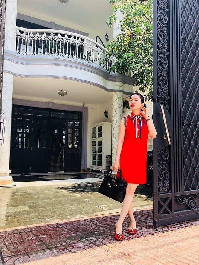 Bên trong 2 căn biệt thự triệu đô ở Việt Nam và Mỹ của Lệ Quyên