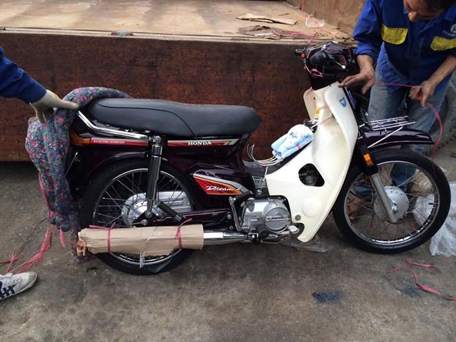 Giá siêu đắt đỏ, Honda Dream Thái vẫn được săn lùng