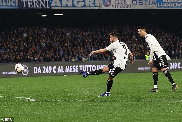 Đả bại Napoli, Juventus tiệm cận Scudetto