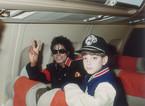 Phim tố Michael Jackson ấu dâm: Dối trá, lạm dụng và tổn thương