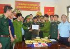 Bắt đối tượng người Lào đang cắt rừng 'cõng' 6 vạn viên ma túy vào VN