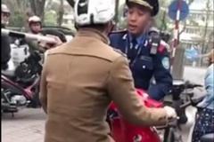 Nể phục sự nhẫn nhịn của thanh tra giao thông trước người vi phạm