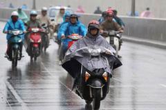 Dự báo thời tiết 5/3: Miền Bắc mưa dông, đề phòng có lốc