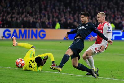 Real Madrid vs Ajax: Vượt qua khủng hoảng
