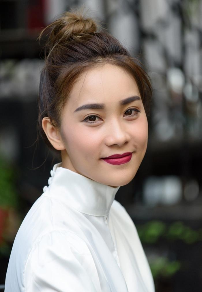 Phạm Hương khoe eo con kiến sau nhiều đồn đoán có bầu