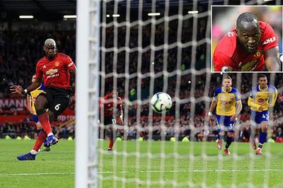 Lukaku cãi nhau to với Pogba vì tranh đá penalty MU