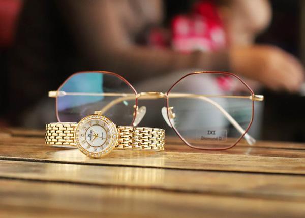 Quà đặc biệt 8/3: đồng hồ Diamond D giảm giá 20%