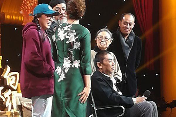 'Trương Phi' bệnh nặng, ngồi xe lăn hội ngộ dàn diễn viên 'Tam Quốc diễn nghĩa'