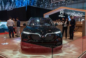 VinFast ra mắt 'siêu phẩm' LUX-V8 tại Geneva Motor Show 2019