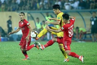 Hạ Nam Định, CLB TP.HCM bay cao ở V-League 2019