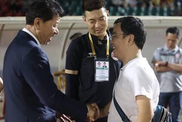 """Sau ồn ào, HLV Chung Hae Seong """"tái duyên"""" với CLB TPHCM?"""