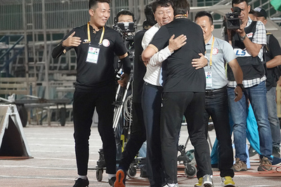 CLB TPHCM dẫn đầu V-League, bầu Đức được... cảm ơn!