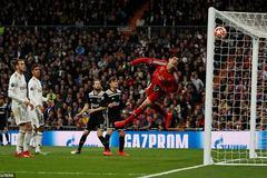 Thua đậm Ajax, Real thành cựu vương Champions League