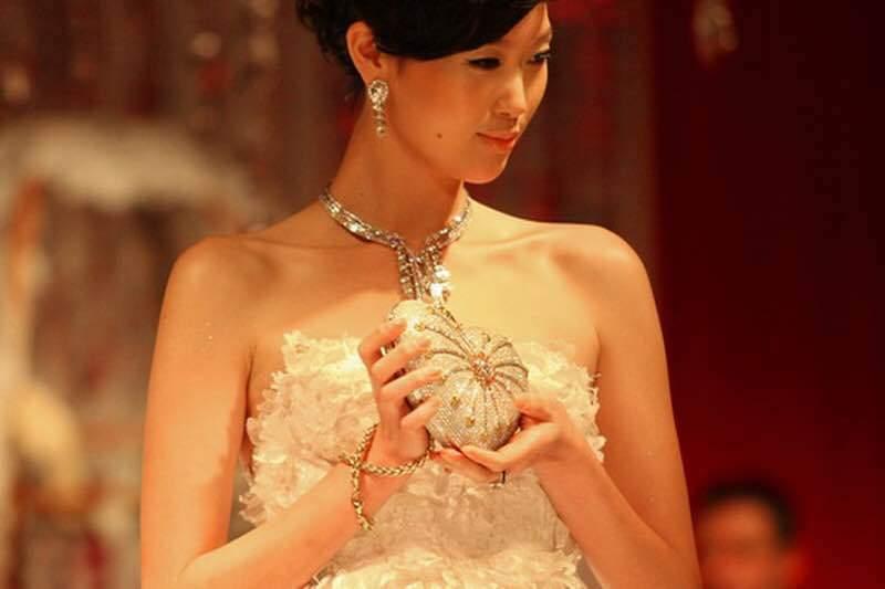 Chiếc áo ngực nhỏ xinh quý cô mơ ước khiến ai cũng 'choáng' Nhung-mon-do-sieu-xa-xi-ma-phu-nu-nao-cung-muon-4