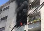 Cháy dữ dội 3 căn hộ chung cư Sài Gòn, hàng trăm người chạy tháo chạy
