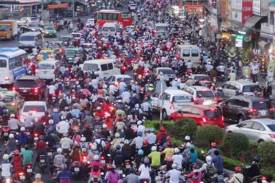 'TP.HCM chỉ hạn chế chứ không cấm xe máy'
