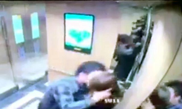 Hà Nội: Nữ sinh bị cưỡng hôn trong thang máy giữa đêm