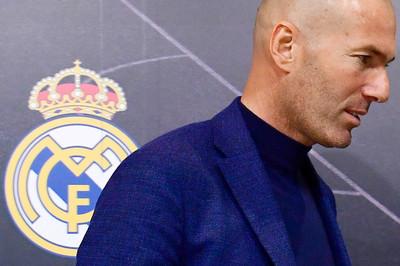 Real Madrid bấn loạn, cầu cứu Zidane tái xuất