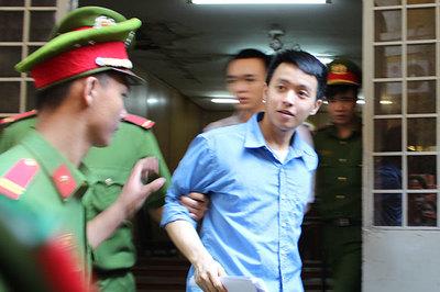 Cụ bà 71 tuổi thuê người bắn trai trẻ ở Sài Gòn hầu tòa