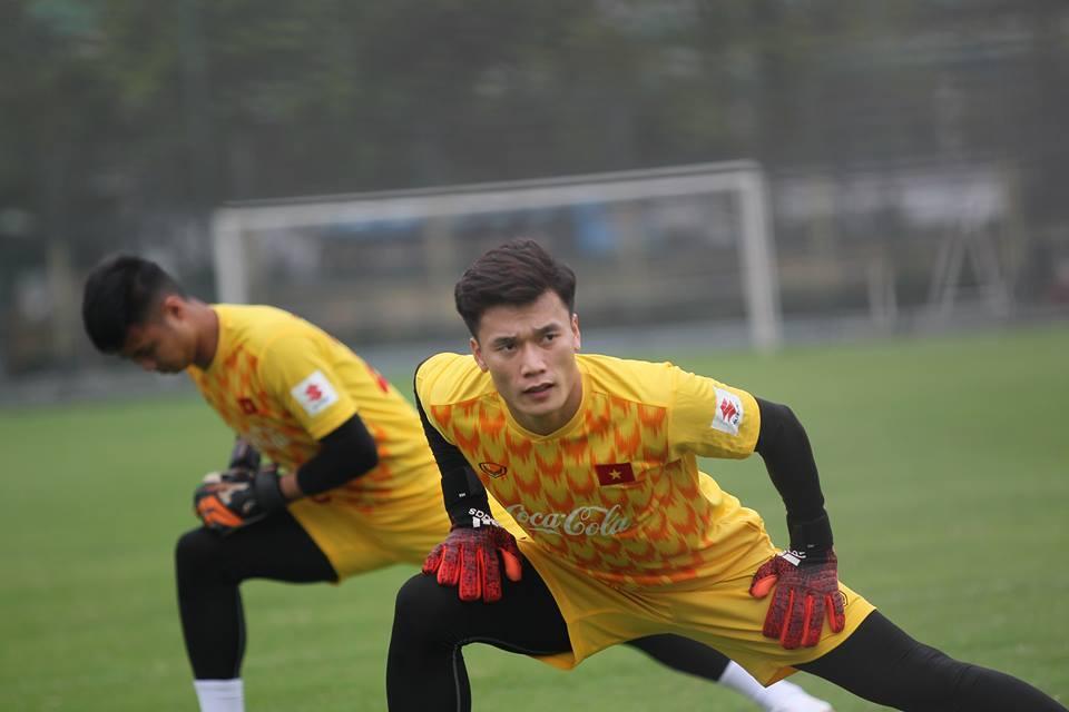 Đình Trọng, Tiến Dũng tập sung ngày hội quân với U23 Việt Nam