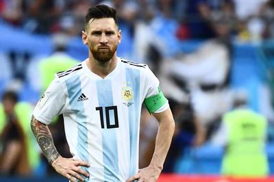 Messi trở lại tuyển Argentina sau 8 tháng, Aguero bị loại