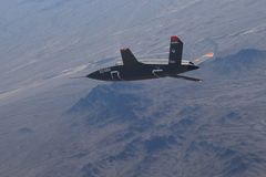 Lộ máy bay không người lái tàng hình tối mật của Mỹ