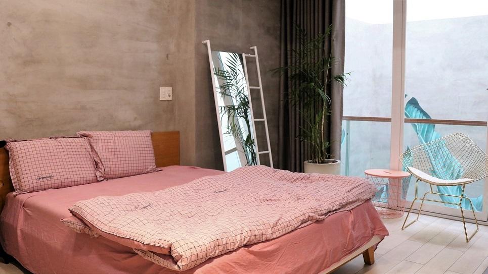 Sau những ồn ào tình duyên, Hồ Quang Hiếu sống với mẹ trong nhà 23 tỷ đồng
