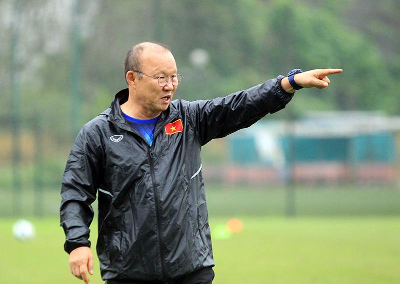 Thầy Park 'bỏ rơi' U23 Việt Nam, xem giò cầu thủ CLB Hà Nội