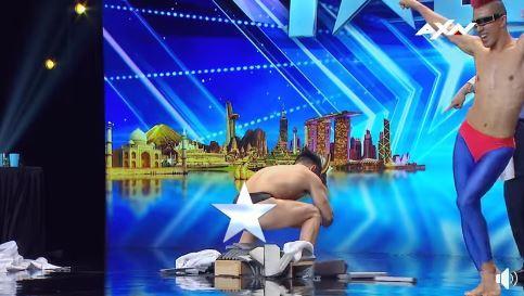 Thí sinh Nhật gây sốc khi thoát y trên sân khấu Asia's Got Talent