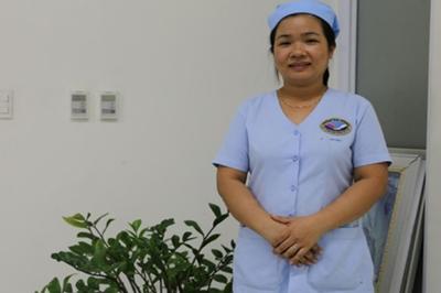 Nữ hộ sinh trả lại 30 triệu đồng cho bệnh nhân đánh rơi