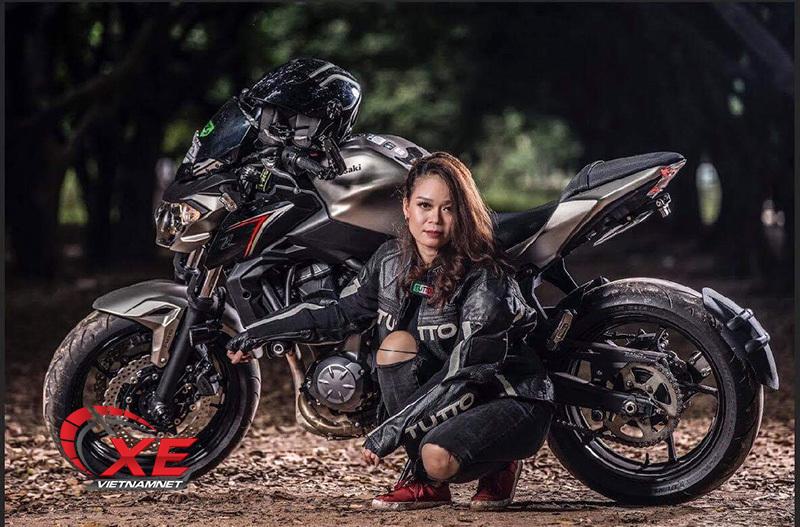 Quý cô Hà Nội chơi mô tô 'ngầu' và 'chất' khiến nam nhân phải nể phục