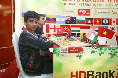 Kỳ thủ 13 tuổi chơi 3 ván đã dẫn đầu HDBank 2019
