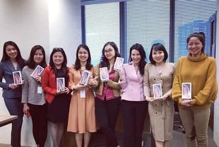 Sự thật nhân viên nữ của VTV được tặng điện thoại gần 30 triệu ngày 8/3