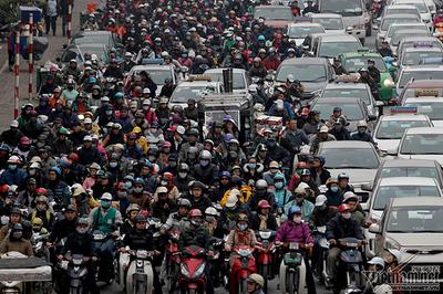 Hà Nội: 2 Giám đốc Sở đồng lòng cấm xe máy càng sớm càng tốt
