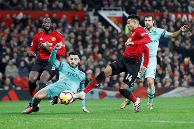 Arsenal vs MU: Quỷ đỏ đại náo Emirates
