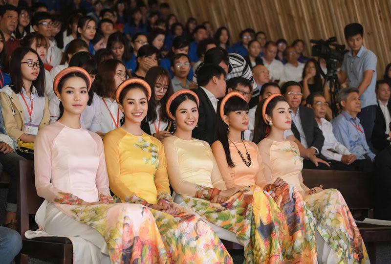 Nhiều Hoa hậu VN dự Triển lãm Lịch sử Cà phê Thế giới