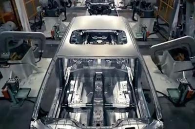 Bên trong nhà máy xe điện lớn nhất Trung Quốc, 90 giây lắp ráp xong 1 xe