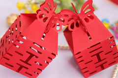 Nhận tiền mừng cưới 'khủng', cô dâu bức xúc bị đòi lại quà