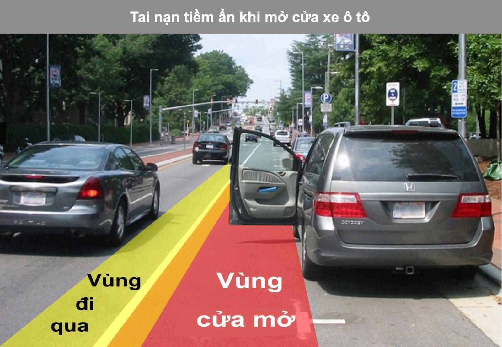 Mở cửa ô tô gây tai nạn có thể bị đi tù