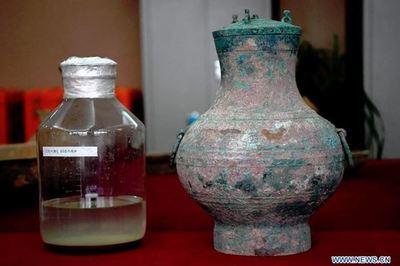 Tìm thấy rượu thuốc 'bất tử' trong ngôi mộ cổ ở Trung Quốc