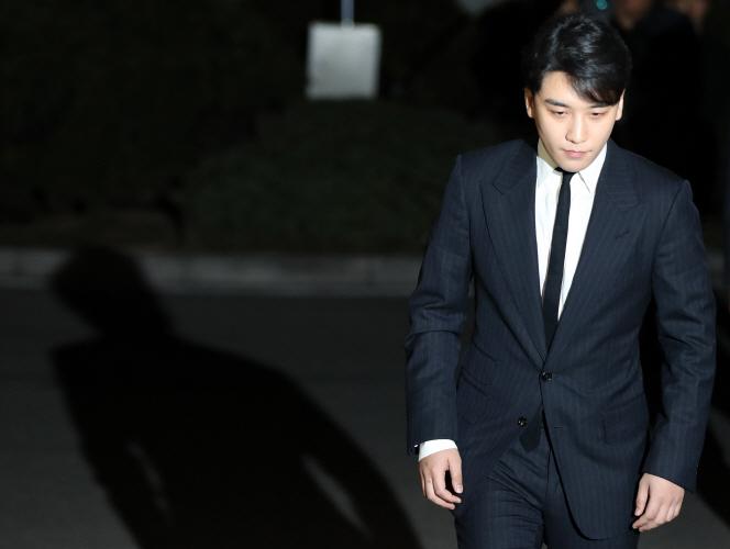 Seungri lại vướng nghi án thành lập công ty ma để trốn thuế