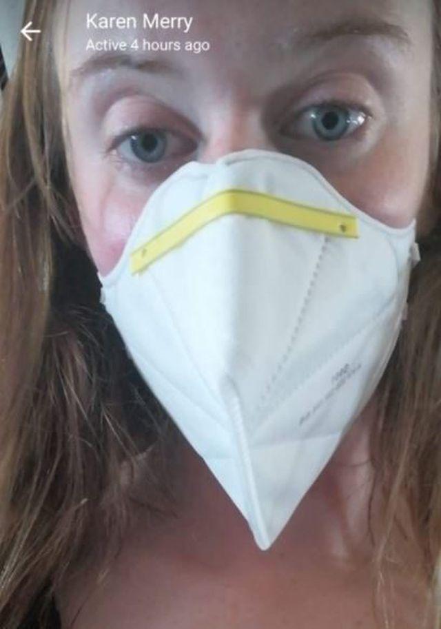 Sợ bị 'chết oan' trên máy bay, nữ du khách đành 'trú ẩn' trong nhà vệ sinh