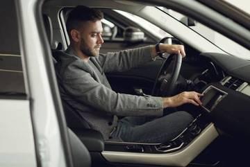 Ai đang cố nhịn ăn nhịn mặc để mua ô tô sẽ choáng khi biết điều này